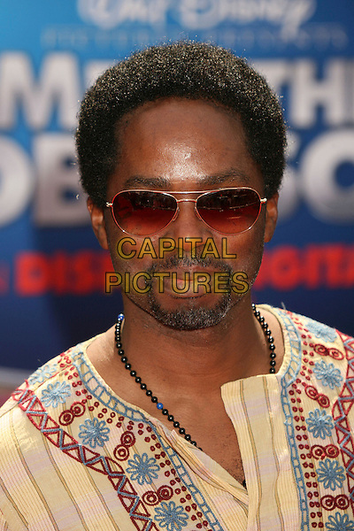 "HAROLD PERRINEAU .""Meet The Robinsons"" Los Angeles Premiere at the El Capitan Theatre, Hollywood, California, USA..March 25th, 2007.headshot portrait goatee facial hair sunglasses shades.CAP/ADM/BP.©Byron Purvis/AdMedia/Capital Pictures"