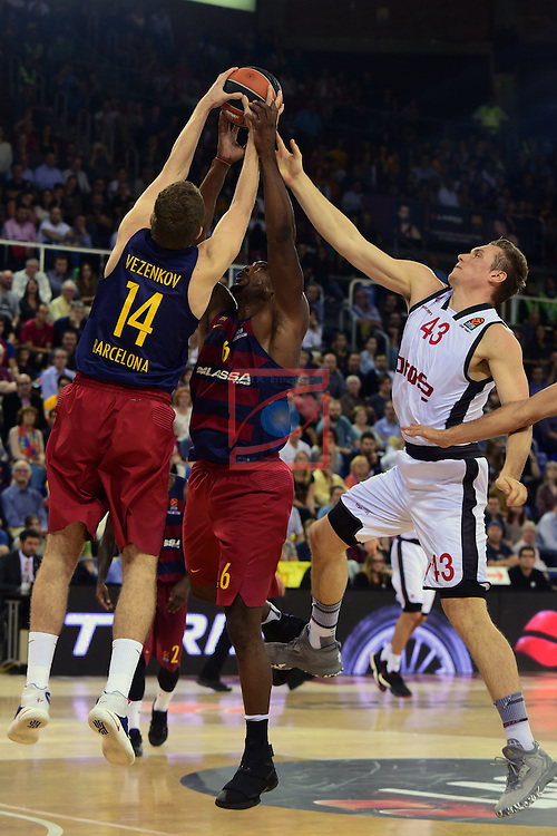 Turkish Airlines Euroleague 2016/2017.<br /> Regular Season - Round 4.<br /> FC Barcelona Lassa vs Brose Bamberg: 78-74.<br /> Aleksandar Vezenkov, Joey Dorsey &amp; Leon Radosevic.