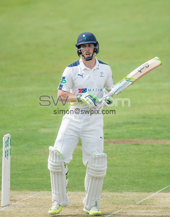 Picture by Allan McKenzie/SWpix.com - 23/08/2016 - Cricket - Specsavers County Championship - Yorkshire County Cricket Club v Nottinghamshire County Cricket Club - North Marine Road, Scarborough, England - Jake Lehmann.