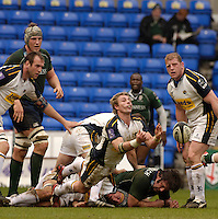 Reading, Berks, ENGLAND, 15.04.2006, Justin Marshall, clears from behind the scrum, Guinness Premiership, London Irish vs Leed Tykes, at the Madejski Stadium,  © Peter Spurrier/Intersport-images.com.