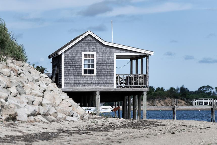 Rustic beach cottage, Chatham, Cape Cod, Massachusetts, USA.