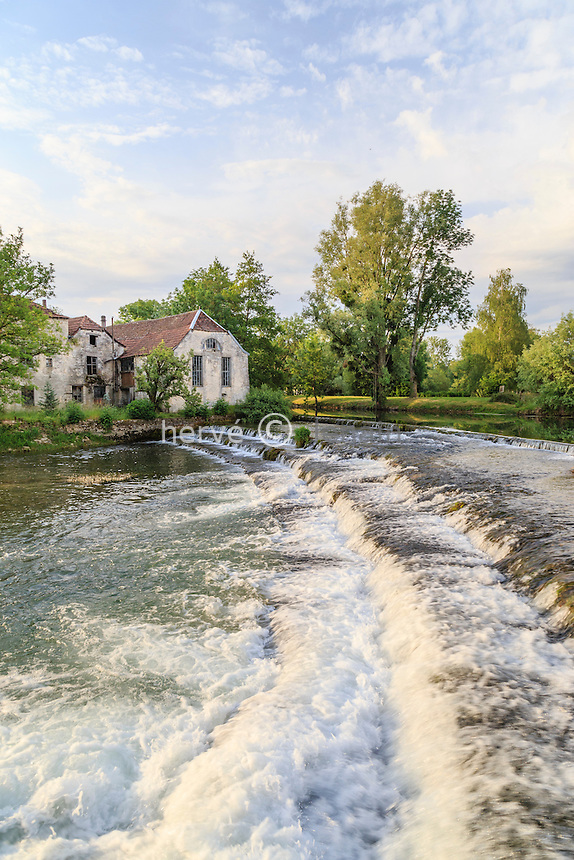 France, Aube (10), Mussy-sur-Seine, la Seine // France, Aube, Mussy sur Seine, Seine river
