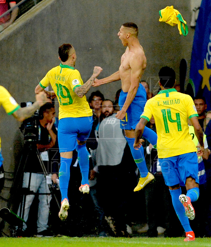 RIO DE JANEIRO – BRASIL, 7-07-2019: Richarlison de Brasil celebra después anotar un gol al Perú durante partido por la final de la Copa América Brasil 2019 entre Brasil y Perú jugado en el Maracá. /Richarlison of Brazil celebrates after scoring a gaol agaisnt of Peru during the Copa America Brazil 2019  final match between Brasil and Peru played at Maracana stadium in Rio de Janeiro, Brazil. Photos: VizzorImage / Cristian Álvarez / Cont /