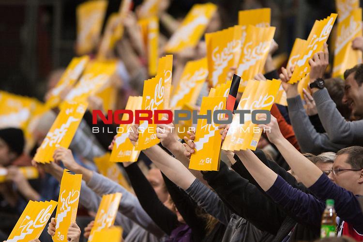 05.01.2014, MHP Arena, Ludwigsburg<br /> Volleyball, Qualifikation WM 2014, Estland vs. Kroatien<br /> <br /> Feature Zuschauer / Klatschpappe<br /> <br />   Foto &copy; nordphoto / Kurth