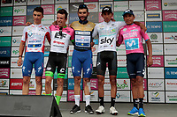 MANIZALES-COLOMBIA. 10-02-2018. Julian Alaphilippe (Izq), frances, (QUICK-STEP FLOORS), Rigoberto Uran (segundo desde Izq), Colombia, (EF EDUCATION FIRST-DRAPAC), Fernando Gaviria (C) Colombia, (QUICK-STEP FLOORS), Egan Bernal (centro Der), Colombia, (TEAM SKY) y Nairo Quintana (Der), Colombia, (Movistar Team), Lider de la clasificación general posan para una foto después de la 5ª etapa de la Colombia Oro y Paz UCI 2.1 que se corrió entre la ciudad de Pereira y la población de Salento con una distancia de 167 kms. / Alaphilippe (L), France, (QUICK-STEP FLOORS), Rigoberto Uran (second from L), Colombia, (EF EDUCATION FIRST-DRAPAC), Fernando Gaviria (C) Colombia, (QUICK-STEP FLOORS), Egan Bernal (center R), Colombia, (TEAM SKY) and Nairo Quintana (R), Colombia, (Movistar Team) and  leadre of the gereal classification after the 5th stage of the Colombia Oro y Paz UCI 2.1, that was held between Pareira city and Salento village over 167 kms. Photo: VizzorImage/Santiago Osorio/Cont