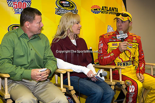 Oct 25, 2008; 9:02:00 AM;  Hampton, GA. USA; NASCAR Sprint Cup Series race at the Atlanta Motor Speedway for the  Pep Boys Auto 500.  Mandatory Credit: (thesportswire.net)