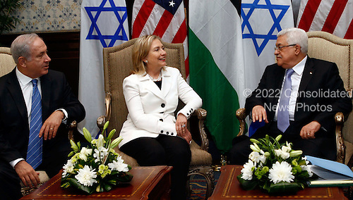 United States Secretary of State Hillary Rodham Clinton (center) hosts direct talks between Palestinian President Mahmoud Abbas (right) and Israeli Prime Minister Benjamin Netanyahu (left) in Sharm El Sheikh, Egypt, on Tuesday, September 14, 2010. .Credit: Department of State via CNP.