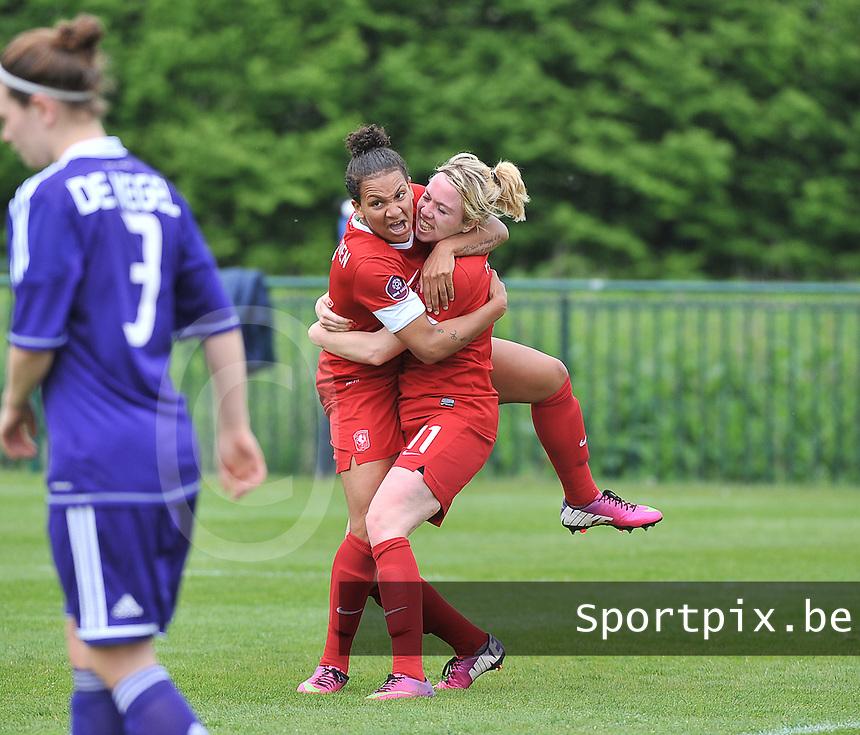 RSC Anderlecht Dames - FC Twente : vreugde bij Twente en Shanice van de Sanden en Marlous Pieete.foto DAVID CATRY / Nikonpro.be