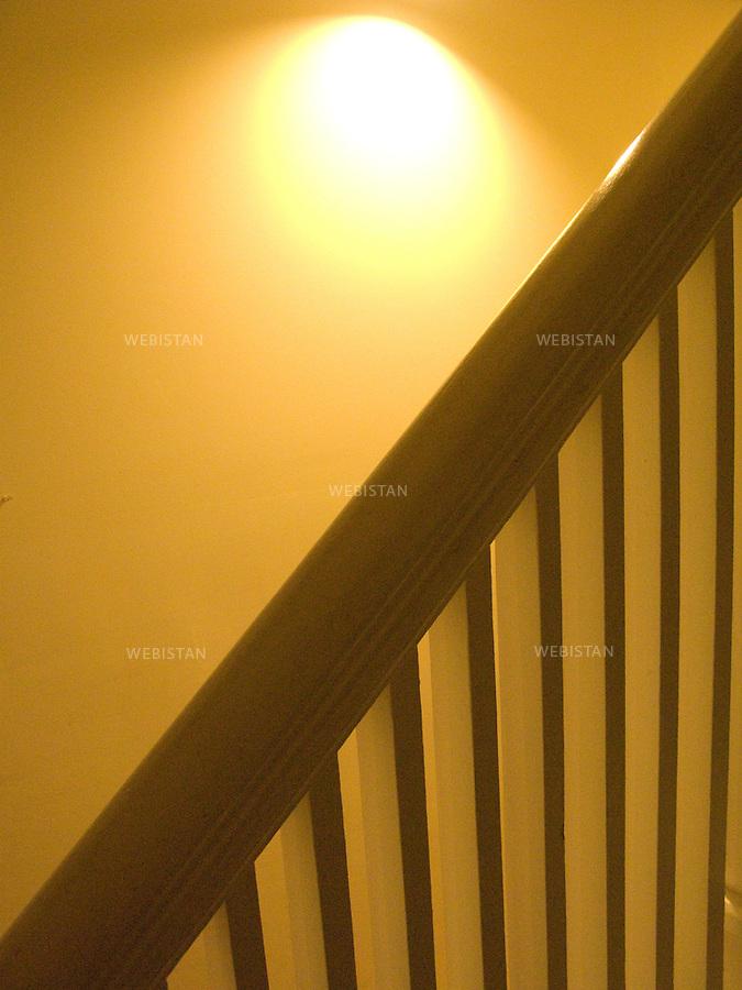 Vue artistique d'un escalier interieur.<br /> Artistic view of an interior stairs.