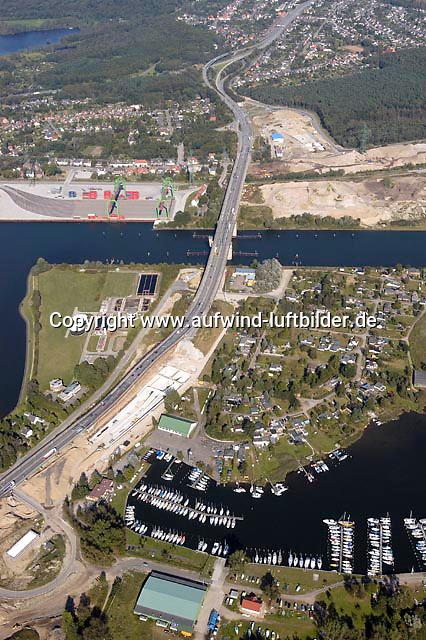 Deutschland, Schleswig- Holstein, Luebeck, Tave, Tunnel, Herrentunnel, B 75, Maut