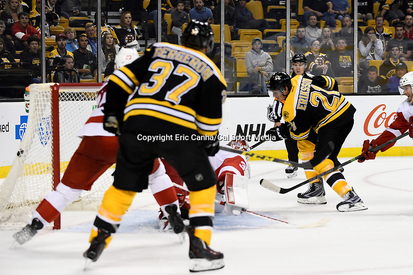 Monday, September 28, 2015, Boston, MA -  Boston Bruins left wing Loui Eriksson (21) scores a power play goal against Detroit Red Wings goalie Jimmy Howard (35) during the NHL game between the Detroit Red Wings and the Boston Bruins held at TD Garden, in Boston, Massachusetts. Detroit defeats Boston 3-1 in regulation time. Eric Canha/CSM