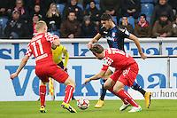 Vincenzo Grifo (FSV) gegen Axel Bellinghausen und Adam Bodzek (Fortuna) - FSV Frankfurt vs. Fortuna Düsseldorf, Frankfurter Volksbank Stadion