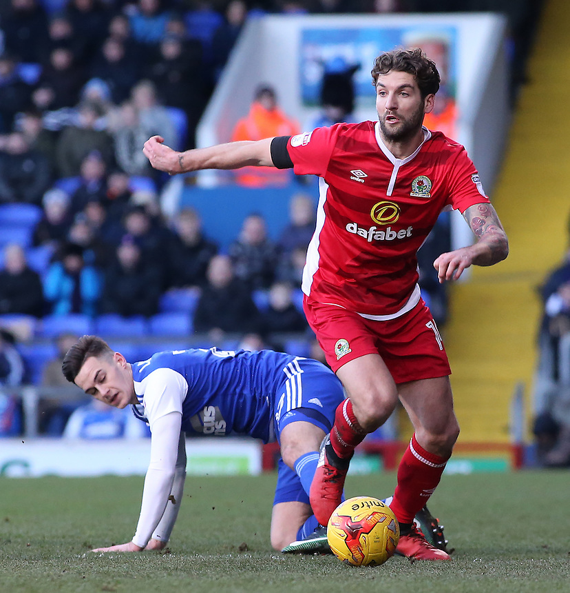 Blackburn Rovers' Charlie Mulgrew gets away from Ipswich Town's Tom Lawrence<br /> <br /> Photographer David Shipman/CameraSport<br /> <br /> The EFL Sky Bet Championship - Ipswich Town v Blackburn Rovers - Saturday 14th January 2017 - Portman Road - Ipswich<br /> <br /> World Copyright &copy; 2017 CameraSport. All rights reserved. 43 Linden Ave. Countesthorpe. Leicester. England. LE8 5PG - Tel: +44 (0) 116 277 4147 - admin@camerasport.com - www.camerasport.com