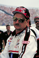 DALE EARNHART DOVER DOWNS SPEEDWAY. DALE EARNHART, PROFESSIONAL RACE CAR DRIVER. DOVER DELAWARE USA.