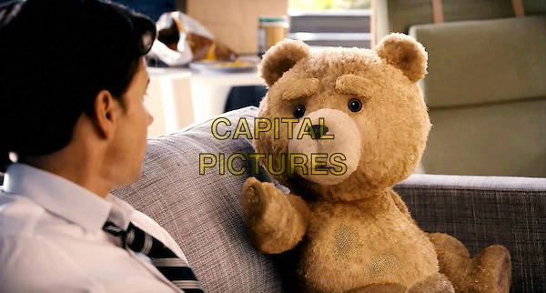 Mark Wahlberg & Ted (voice of Seth MacFarlane).in Ted (2012) .*Filmstill - Editorial Use Only*.CAP/NFS.Supplied by Capital Pictures.