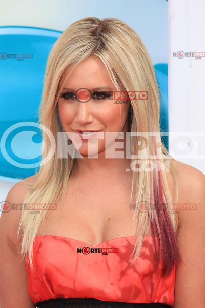 Ashley Tisdale at Nickelodeon's 25th Annual Kids' Choice Awards at The Galen Center on March 31, 2012 in Los Angeles, California. &copy; mpi26/MediaPunch Inc. /NortePhoto<br /> <br />  **CREDITO*OBLIGATORIO** *No*Venta*A*Terceros*<br /> *No*Sale*So*third* ***No*Se*Permite*Hacer Archivo***No*Sale*So*third*