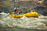 USA, Oregon, Wild and Scenic Rogue River in the Medford District, Rafting Horseshoe Rapid