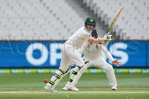 30th December 2017, Melbourne Cricket Ground, Melbourne, Australia; The Ashes Series, fourth test, day 5, Australia versus England; Steve Smith of Australia calls for a run