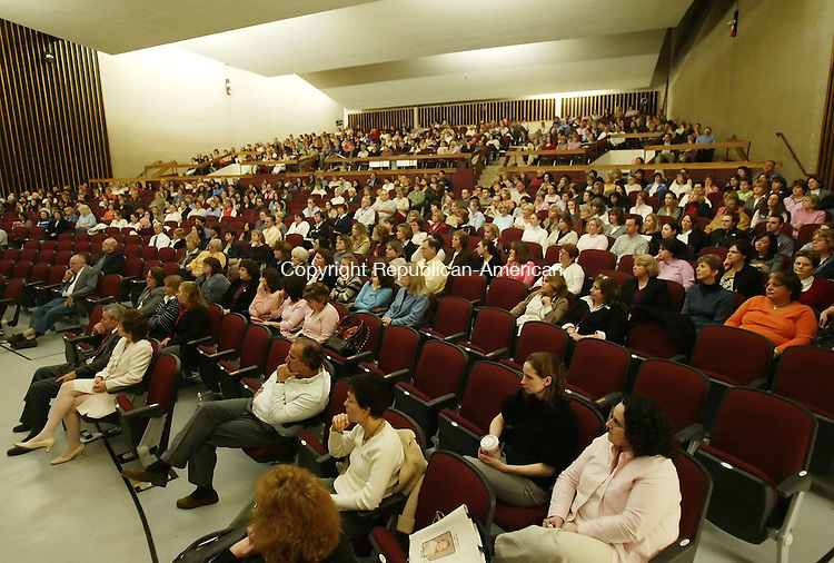 NAUGATUCK, CT, 01/09/08- 010908BZ02- A large crowd gathered at the Naugatuck High School auditorium Wednesday afternoon to listen to NASA geophysicist Dr. Paul D. Lowman discuss what the country and the space program learned from the Apollo missions.<br /> Jamison C. Bazinet Republican-American