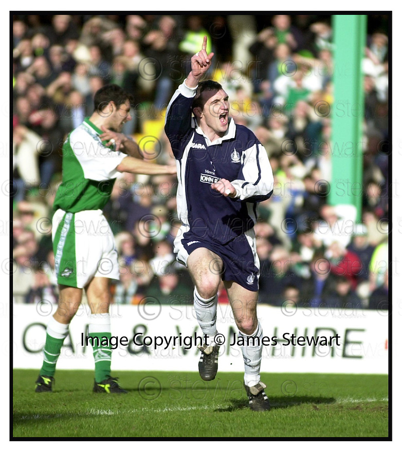 11th March 2000        Copyright Pic : James Stewart .Ref :                           .File Name : stewart09-hibs v falkirk                        .ANDY LAWRIE CELEBRATES SCORING FALKIRK'S GOAL....Payments to :-.James Stewart Photo Agency, Stewart House, Stewart Road, Falkirk. FK2 7AS      Vat Reg No. 607 6932 25.Office : +44 (0) 1324 630007    Mobile : 07721 416997.Fax     : +44 (0) 1324 630007.E-mail : jim@jspa.co.uk.If you require further information then contact Jim Stewart on any of the numbers above.........