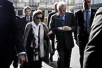 Roma 04/04/2012 Il Ministro per il Lavoro e le Parti Sociali Elsa Fornero, e il Presidente del Consiglio Mario Monti, escono da Palazzo Chigi per andare all'incontro con la stampa per discutere della Riforma sul Lavoro..Foto Serena Cremaschi Insidefoto