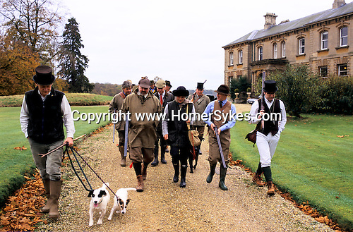 Game Bird Shoot, guns leave Country Mansion WILTSHIRE  UK