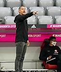 23.05.2020, Allianz Arena, München, GER, 1.FBL, FC Bayern München vs Eintracht Frankfurt 23.05.2020 , <br /><br />Nur für journalistische Zwecke!<br /><br />Gemäß den Vorgaben der DFL Deutsche Fußball Liga ist es untersagt, in dem Stadion und/oder vom Spiel angefertigte Fotoaufnahmen in Form von Sequenzbildern und/oder videoähnlichen Fotostrecken zu verwerten bzw. verwerten zu lassen. <br /><br />Only for editorial use! <br /><br />DFL regulations prohibit any use of photographs as image sequences and/or quasi-video..<br />im Bild<br />Trainer Adi Hütter (Frankfurt) <br /> Foto: Peter Schatz/Pool/Bratic/nordphoto