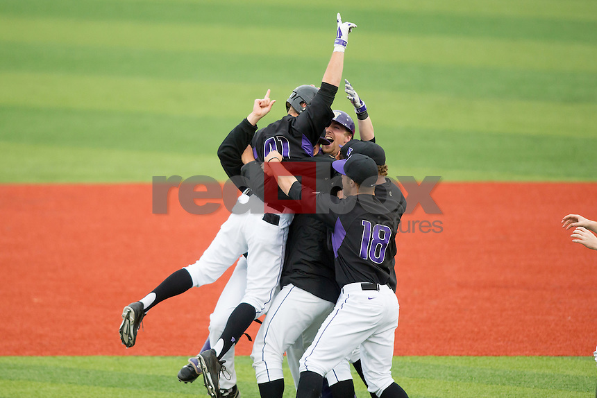 The University of Washington baseball team defeats Oregon 5-4 in 10 innings at  Husky Ballpark on Sunday April 6, 2014. (Photo by Scott Eklund/Red Box Pictures)