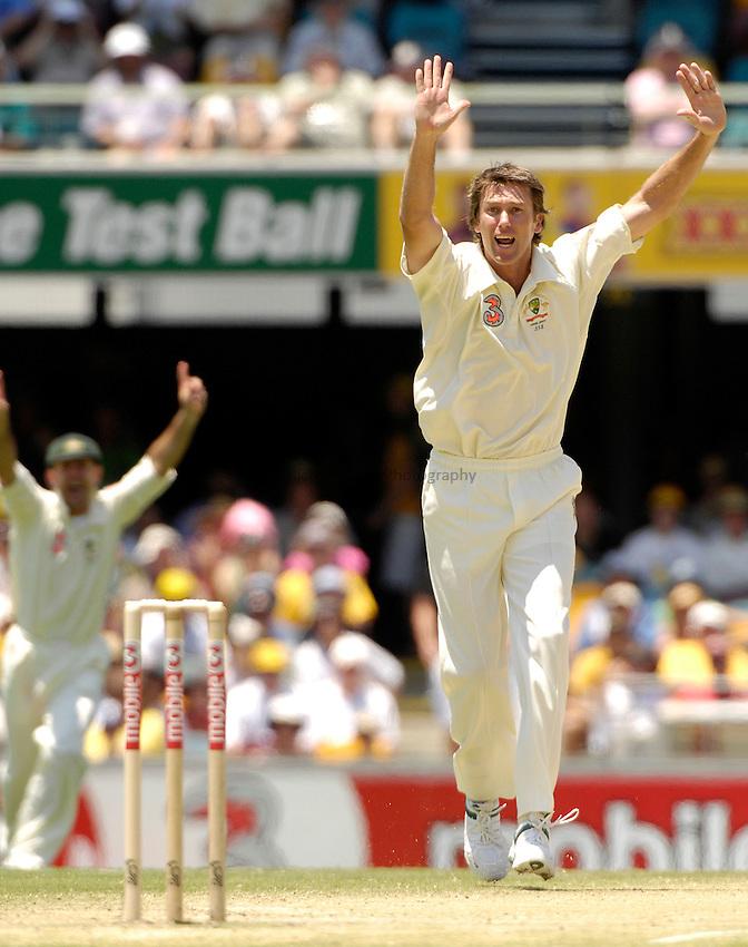 Photo: Steve Holland..Australia v England. 3 mobile Test Series, The Ashes 2006/07, 1st Test. 25/11/2006..Australia's Glenn McGrath celebrates the wicket of Kevin Pietersen.