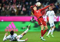 FUSSBALL  1. BUNDESLIGA  SAISON 2015/2016  24. SPIELTAG FC Bayern Muenchen - 1. FSV Mainz 05       02.03.2016 Robert Lewandowski (re, FC Bayern Muenchen) gegen Leon Balogun (li, 1. FSV Mainz 05)