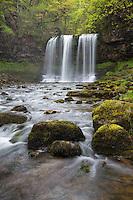 United Kingdom, Wales, Powys, Brecon Beacons National Park, Ystradfellte: Sgwd yr Eira waterfall | Grossbritannien, Wales, Powys, Brecon Beacons National Park, Ystradfellte: Sgwd yr Eira Wasserfall