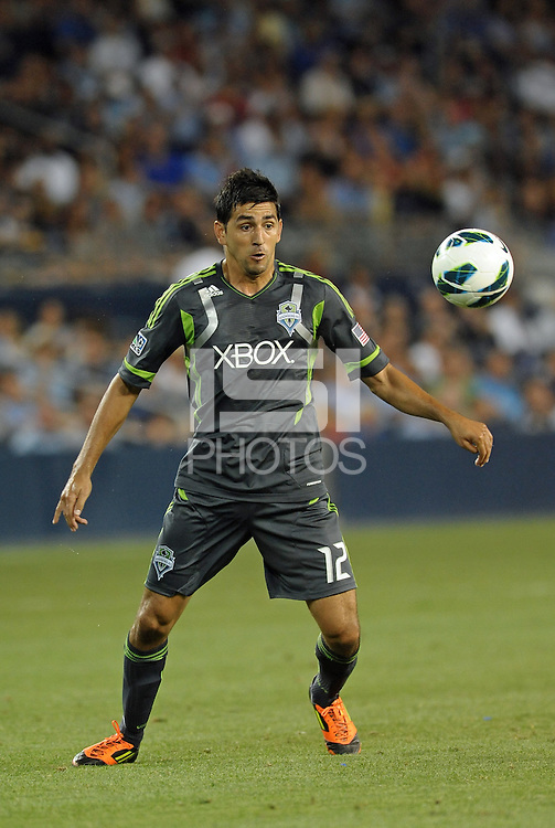 Leonardo Gonzalez (12) defender Seattle Sounders in action..Sporting Kansas City defeated Seattle Sounders on penalty kicks, after a 1-1 tied game to win the Lamar Hunt Open Cup at LIVESTRONG Sporting Park, Kansas City, Kansas..