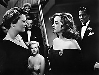 All About Eve (1950)<br /> Anne Baxter, Marilyn Monroe, Bette Davis, Hugh Marlowe &amp; George Sanders<br /> *Filmstill - Editorial Use Only*<br /> CAP/KFS<br /> Image supplied by Capital Pictures