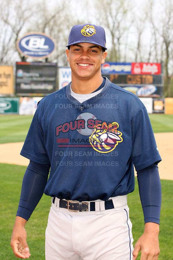 April 11 2010: Fernando Cruz of the Burlington Bees. The Bees are the Low A affiliate of the Kansas City Royals. Photo by: Chris Proctor/Four Seam Images