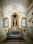 Shrine, Madonna, Basilica di Sant'Apollinare Nuevo, 6th century Byzantine mosaics, Ravenna, Italy