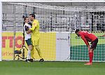 FussballFussball: agnph001:  1. Bundesliga Saison 2019/2020 27. Spieltag 23.05.2020<br />SC Freiburg - SV Werder Bremen<br />Schlussjubel Bremen; Niklas Moisander (links) jubelt mit Torwart Jiri Pavlenka (Mitte beide Bremen) waehrend Vincenzo Grifo (Freiburg rechts) enttaeuscht ist.<br />FOTO: Markus Ulmer/Pressefoto Ulmer/ /Pool/gumzmedia/nordphoto<br /><br />Nur fŸr journalistische Zwecke! Only for editorial use! <br />No commercial usage!