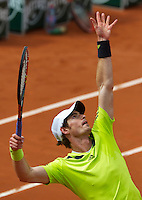 France, Paris, 27.05.2014. Tennis, French Open, Roland Garros, Andy Murray (GBR) serving in his match against Andrey Golubev (KAZ)<br /> Photo:Tennisimages/Henk Koster