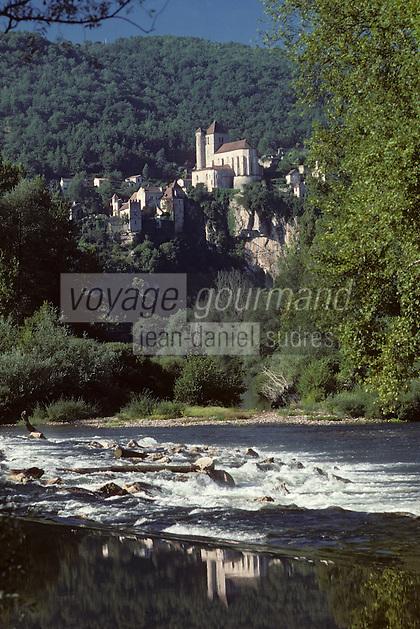 Europe/France/Midi-Pyrénées/46/Lot/Vallée du Lot/Saint-Cirq-Lapopie: La vallée et le village