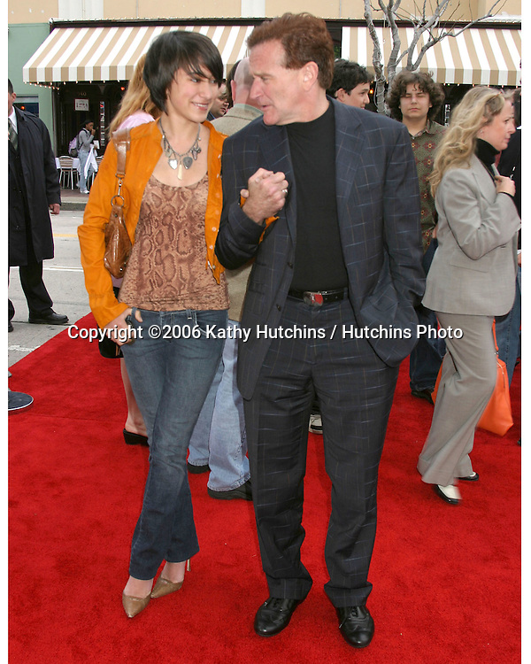 Robin Williams and daughter Zelda.RV Premiere.Village Theater.Westwood, CA.April 23, 2006.©2006 Kathy Hutchins / Hutchins Photo....