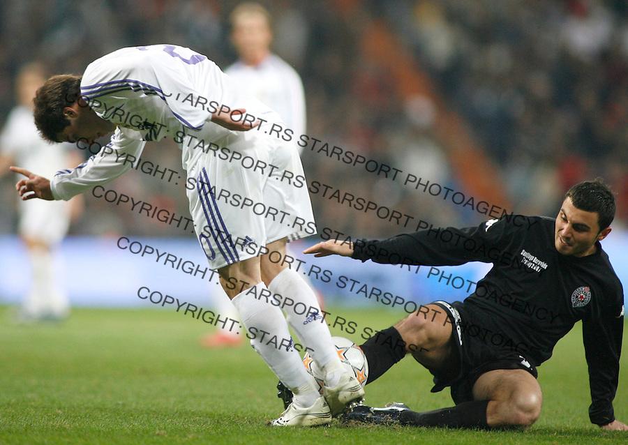Fudbal, Santjago Bernabeu trofej.Real Madrid Vs. Partizan.Nikola Mitrovic, right and Gonzalo Higuaín.Madrid, 12.05.2007..foto: Srdjan Stevanovic