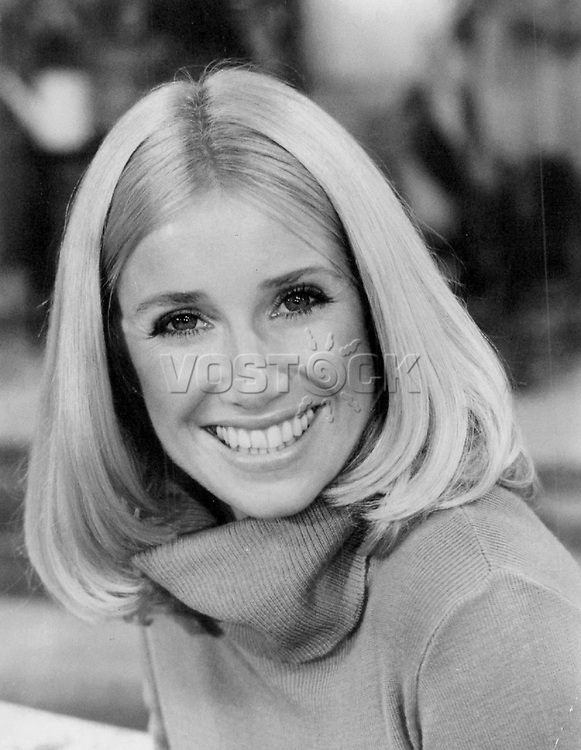 """Suzanne Somers stars as Chrissy Snow in """"Three's Company,"""" the half-hour adult comedy returning as a regular series this fall on Tuesdays on the ABC Television Network. 1977"""