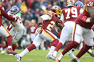 Landover, MD - December 9, 2018: Washington Redskins running back Chris Thompson (25) runs the ball during the  game between New York Giants and Washington Redskins at FedEx Field in Landover, MD.   (Photo by Elliott Brown/Media Images International)
