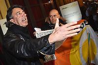 Protesta dei lavoratori Alitalia sulla riduzione del personale e sui licenziamenti. Alitalia workers protest against downsizing and layoffs<br /> Roma 20-01-2015 St. Regis Hotel Presentazione nuova Alitalia a seguito del completamento degli investimenti azionari da parte di Etihad Airways. Unveiled the strategic plan for the new Alitalia following the completion of equity onvestments dy Etihad Airways and Alitalia's existing shareholders. <br /> Photo Andrea Staccioli/Insidefoto