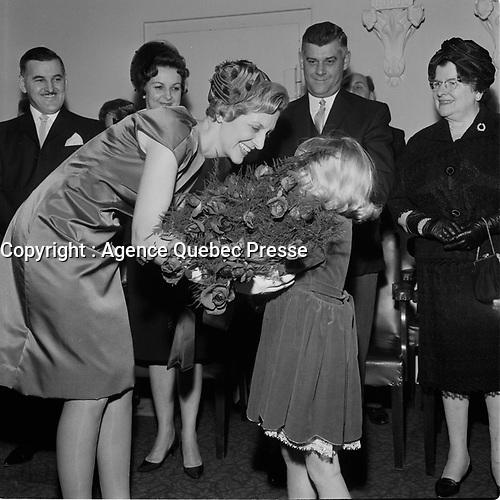 Assermentation du Maire de Quebec Gilles Lamontagne en decembre 1965 (date exacte inconnue)<br /> <br /> PHOTO : Agence Quebec Presse