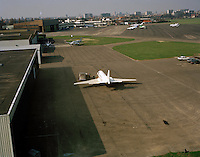 1993.   Een privevliegtuig op de luchthaven van Deurne.