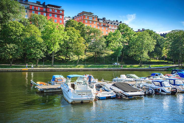 Brygga med båtklubb vid Söder Mälarstrand i Stockholm