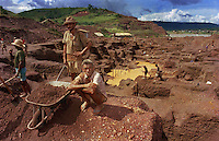 Brazil,Pará : 06/02/96  - Workers at the Serra Pelada gold mine...