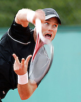 30-5-06,France, Paris, Tennis , Roland Garros, Melle van Gemerden in his first round match
