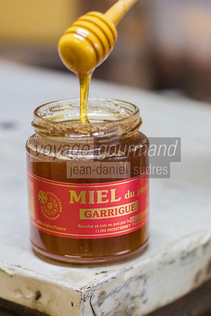 France, Aude (11), Montséret: La Miellerie des Clauses , Miel  de Garrigue //France, Aude, Montseret, Miellerie des Clauses , Garrigue Honey