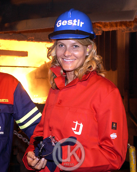 Crown Prince Haakon & Crown Princess Mette-Marit of Norway's visit to Iceland..Visit to the Elkem factory in Grundartangi..